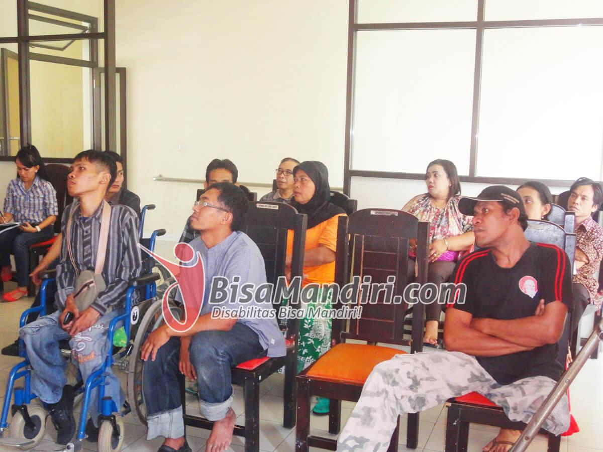 Sosialisasi Bisamandiri.com bersama anggota Yayasan Penyandang Cacat Mandiri