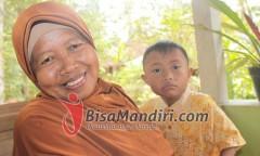 Kasih sayang ibu untuk putranya dengan down syndrome
